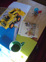 creative-family-reading-time